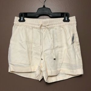 🆕 Old Navy • Cream/Off White • Shorts • Small